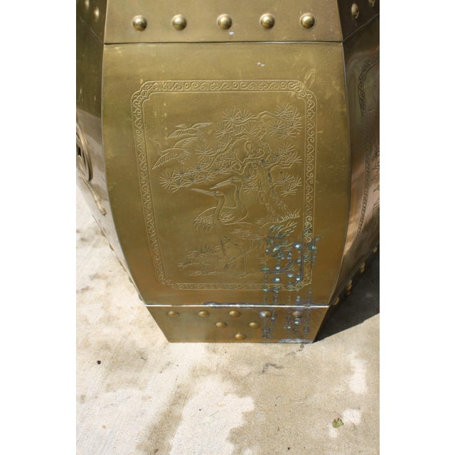 Vintage 70s Chinese Chinoiserie Style Brass Hexagonal Garden Seat / Stool / Side Table W/Glass Top For Sale In Dallas - Image 6 of 13