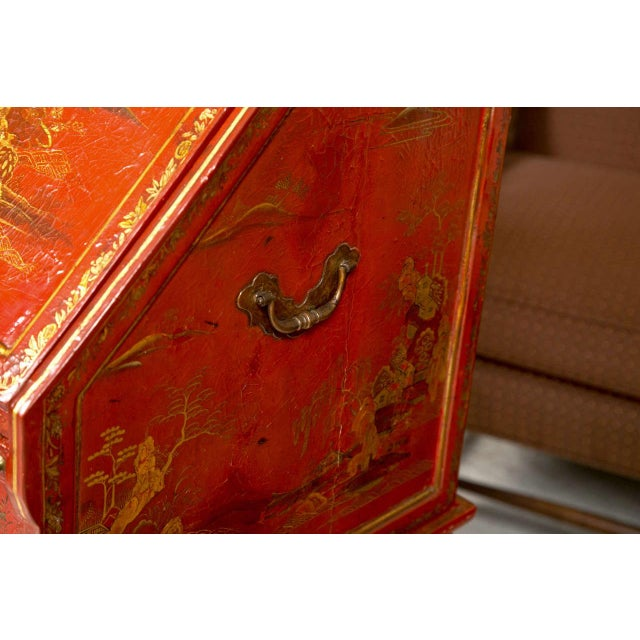 Antique 19th Century Painted Chinoiserie Vanity For Sale - Image 4 of 10