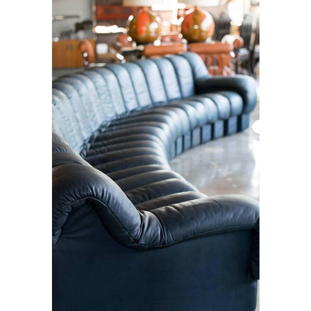 Modern De Sede Ds-600, Non-Stop Sofa, 21 Sections in Charcoal Blue Leather For Sale - Image 3 of 13