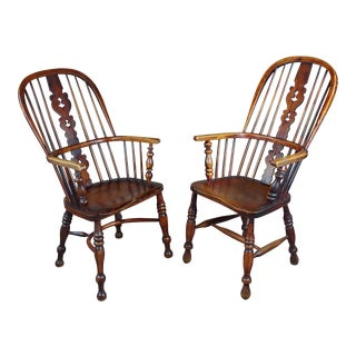 Windsor Chairs -19th Century Beautiful Bow Backs - a Pair For Sale