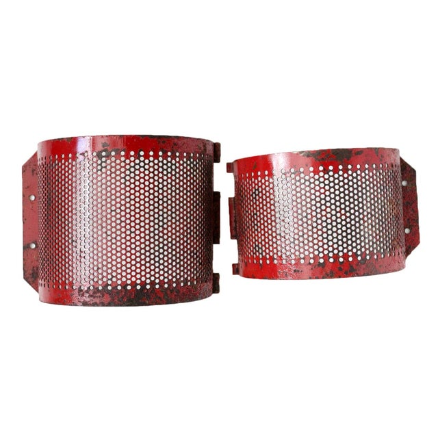 Red Metal Brackets - A Pair - Image 1 of 4