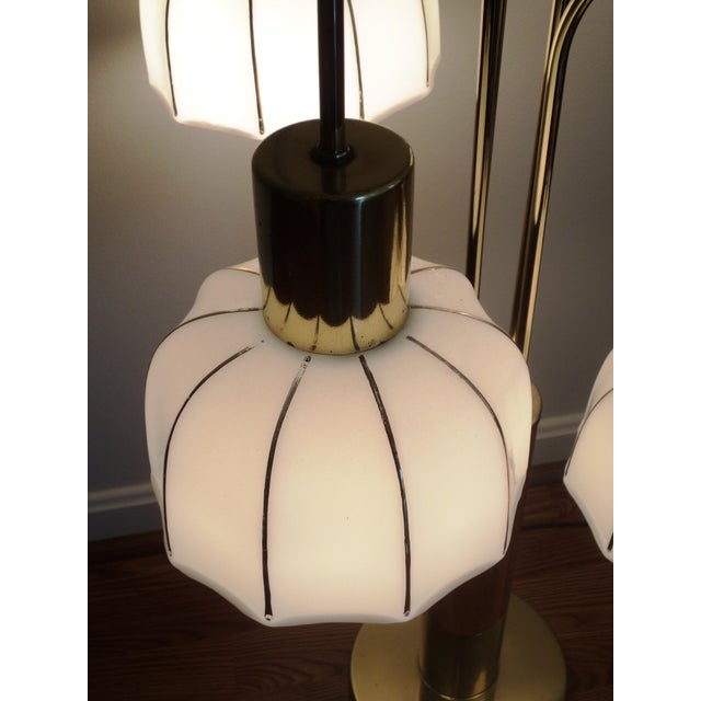 Hollywood Regency Brass & Glass Arc Table Lamp For Sale In Boston - Image 6 of 8