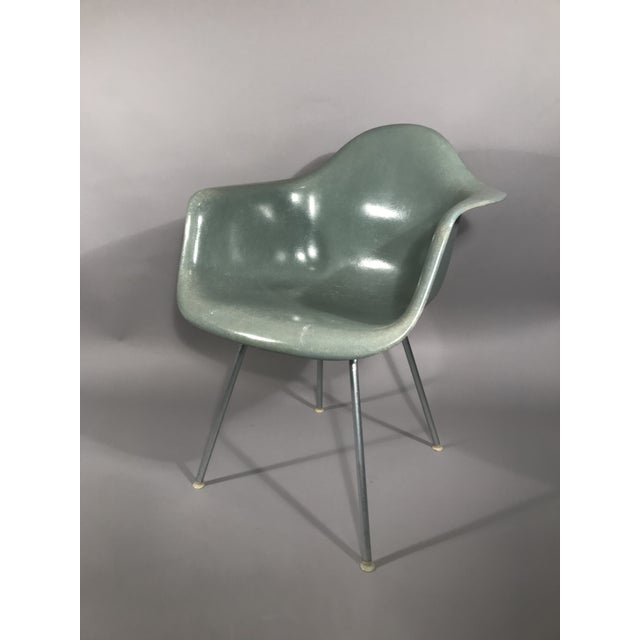 Mid-Century Modern Original Eames Shell Chair For Sale - Image 3 of 12
