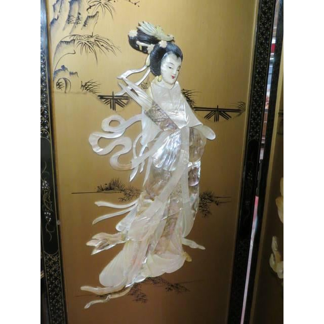 1950s Vintage Chinese Gold Painted Wood and Mother of Pearl 6-Panel Screen, 1950s For Sale - Image 5 of 12