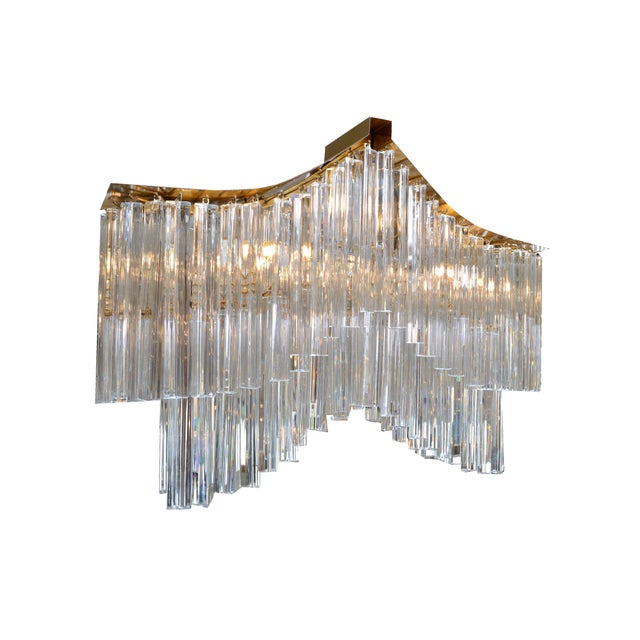 Stunning pagoda chandelier in brass and with heavy crystals ornaments. Comes with chain and canopy. In perfect working...