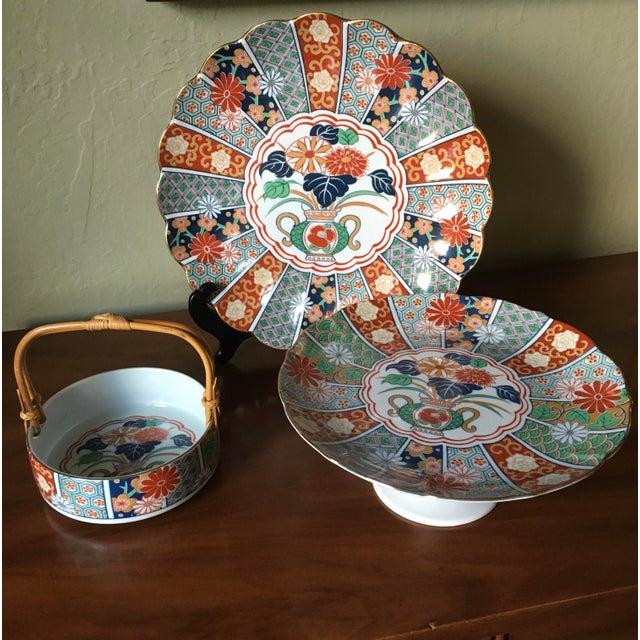 Ceramic Japanese Imari Porcelain Serving Dishes - Set of 3 For Sale - Image 7 of 13