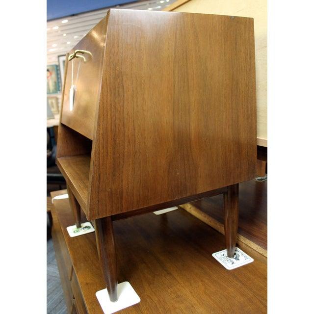 1960s Mid-Century Modern American of Martinsville Merton Gershun Dania Nightstand For Sale - Image 5 of 11
