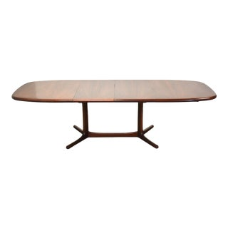 Danish Rosewood Extendable Dining Table For Sale