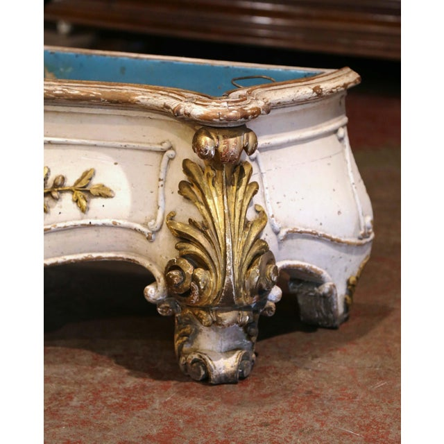 White Early 19th Century French Louis XV Carved Painted & Gilt Bombe Floor Jardinière For Sale - Image 8 of 13