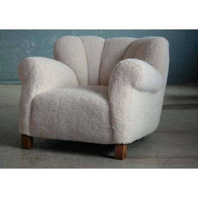 Mid-Century Modern Large Size Club Chair in Lambswool Model 1518 by Fritz Hansen, Denmark, 1940s For Sale - Image 3 of 10