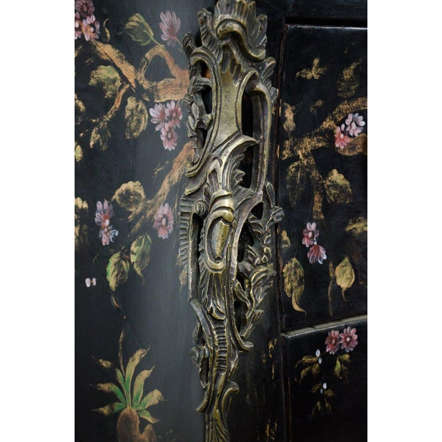 20th C. French Louis XV Style Chinoiserie Marble Top Bombe Commode For Sale In Atlanta - Image 6 of 13