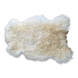 Lincoln Sheepskin Wool Rug - 2′3″ × 3′1″ For Sale