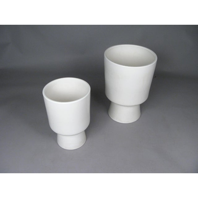 Contemporary 1960s Chalice Planters by Malcolm Leland for Architectural Pottery - a Pair For Sale - Image 3 of 10