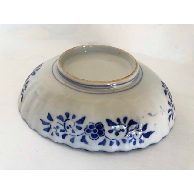 Antique Japanese Imari Oval Scalloped Bowl For Sale - Image 4 of 12