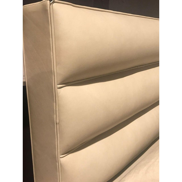 Hickory Chair Chamber Leather Queen Bed - Image 3 of 5