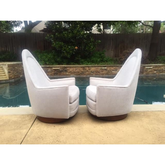 Walnut A Pair of Vintage Sculptural Memory Swivel Chairs by Selig Imperial For Sale - Image 7 of 12