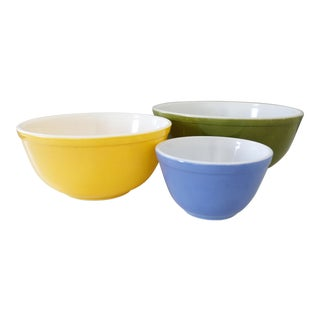 Pyrex Primary Bowls Yellow Green Blue Nesting Bowls - Set of 3
