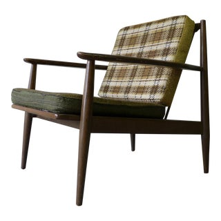 Mid Century Modern Vintage Lounge Chair / Armchair