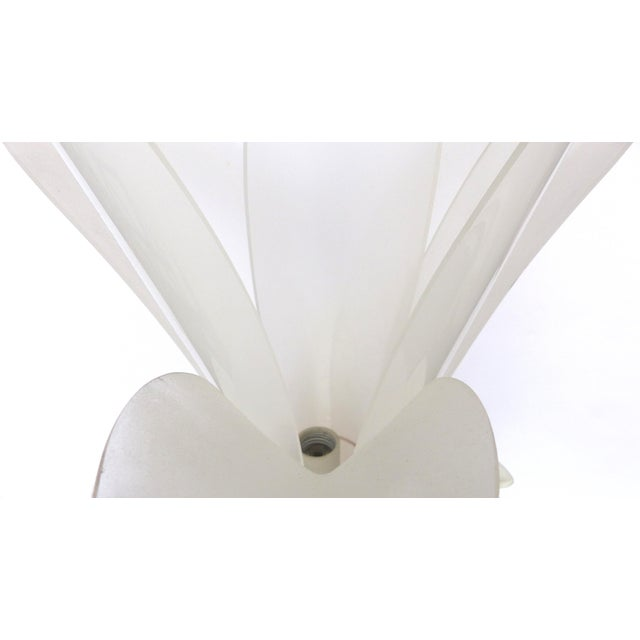1980s Acrylic Floriform Rougier Style Table Lamp - Image 6 of 7