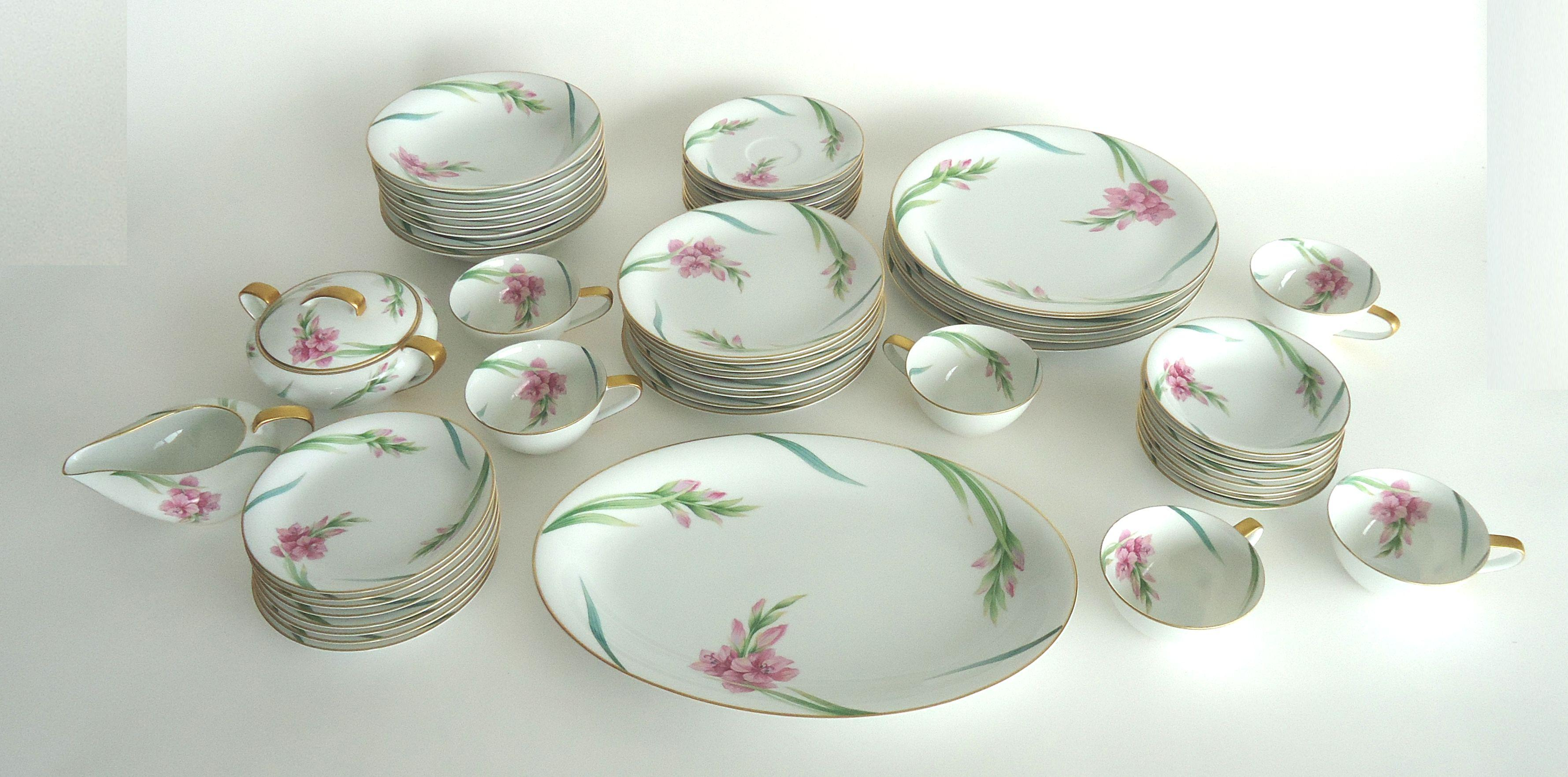 Noritake Gladiola Flowers Dinnerware - Set of 55 - Image 2 of 6  sc 1 st  Chairish & Noritake Gladiola Flowers Dinnerware - Set of 55 | Chairish