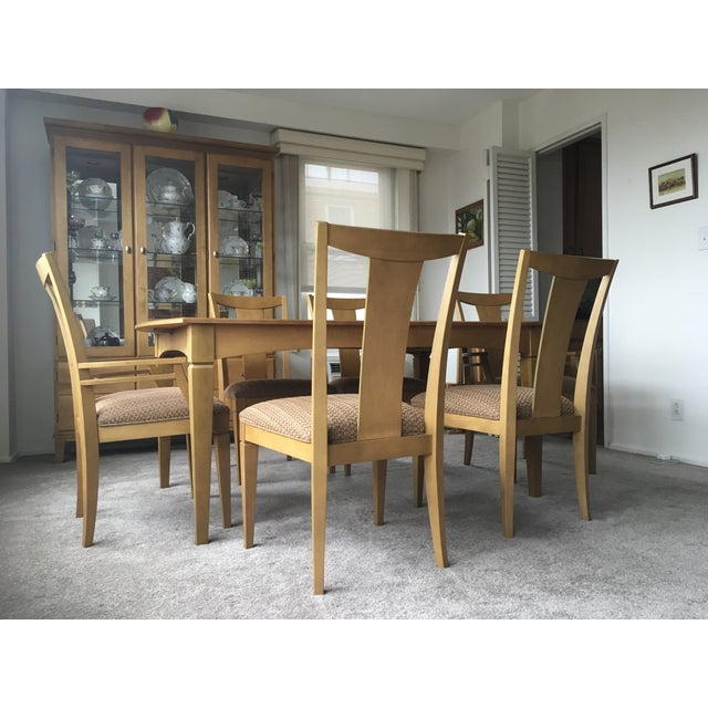 https://chairish-prod.freetls.fastly.net/image/product/sized/138bec04-5179-4383-807a-ac64e49cd3cb/ethan-allen-maple-dining-room-set-0626?aspect=fit&width=640&height=640
