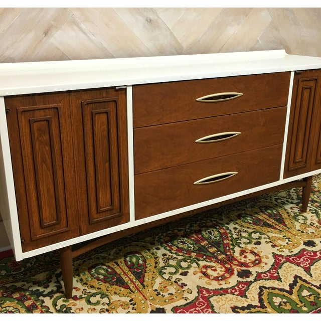 Mid-Century Broyhill Sculptra Buffet / Credenza - Image 7 of 7