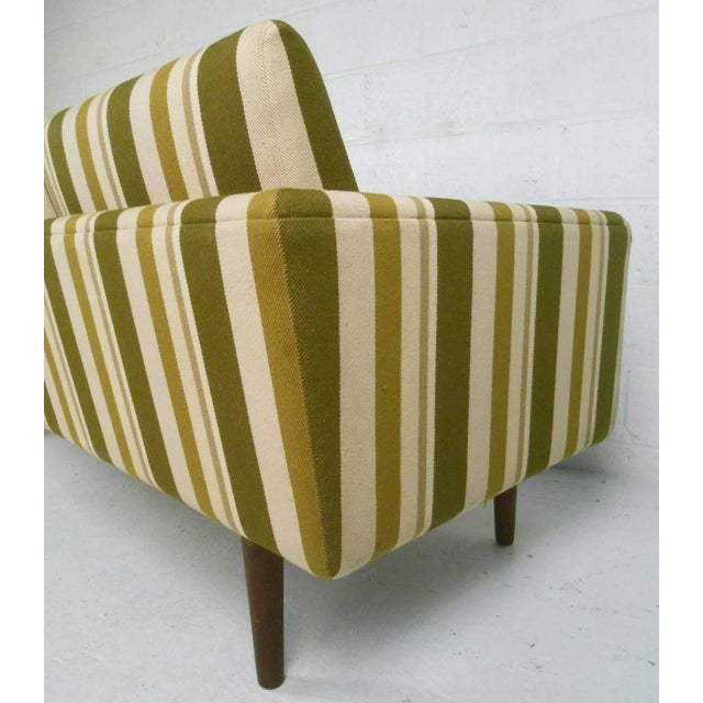 Mid-Century Danish Sofa Attributed to Børge Mogensen For Sale In New York - Image 6 of 9