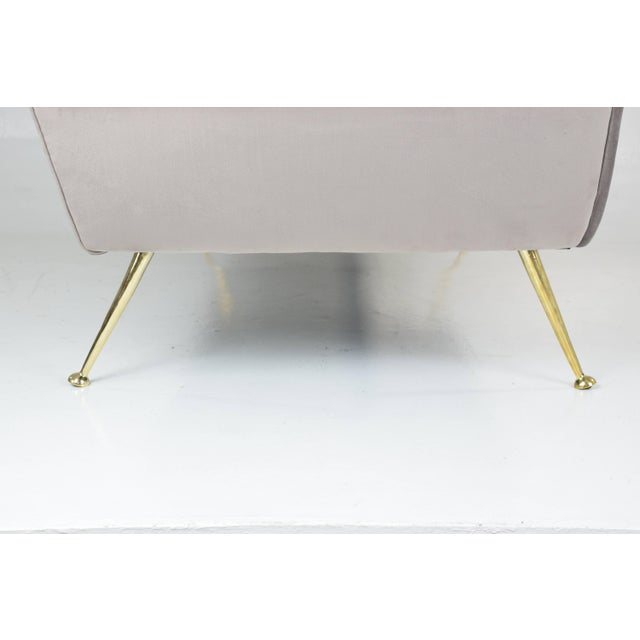 Metal Italian Mid-Century Modern Velvet Sofa by Gigi Radice for Minotti, 1950s For Sale - Image 7 of 13