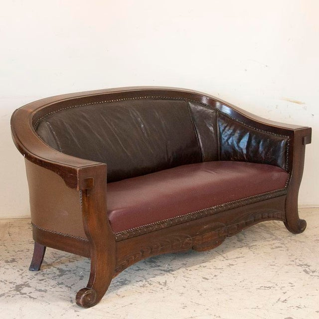 English Vintage Leather Sofa and Arm Chairs - Set of 3 For Sale - Image 3 of 11