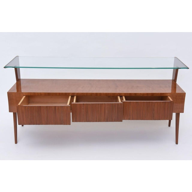1950s Italian Modern Walnut and Glass Top Two-Tiered Low Table, Paulo Buffa Attributed For Sale - Image 5 of 11
