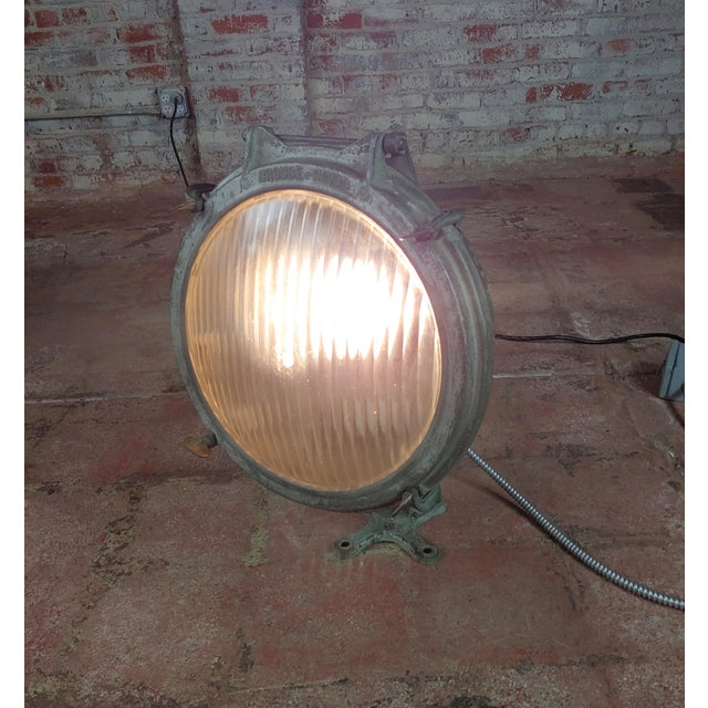 Industrial Crouse-Hinds -1930s Vintage Nautical & Industrial Spot Light For Sale - Image 3 of 10