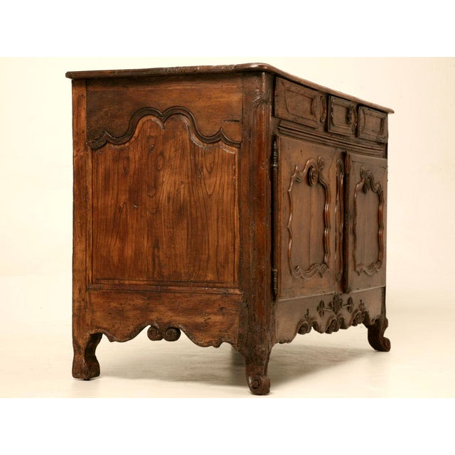Early 18th C. French Louis XV Buffet For Sale - Image 4 of 11