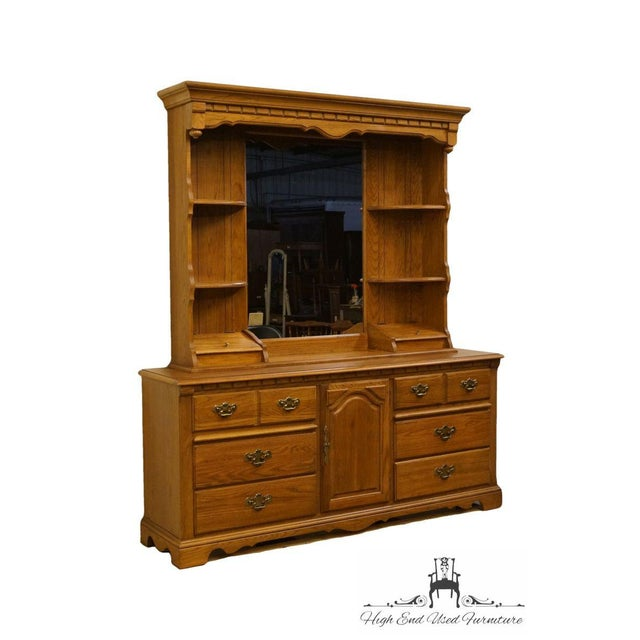 Traditional Late 20th Century Vintage Thomasville Furniture Salem Tavern Collection Dresser & Mirror For Sale - Image 3 of 12