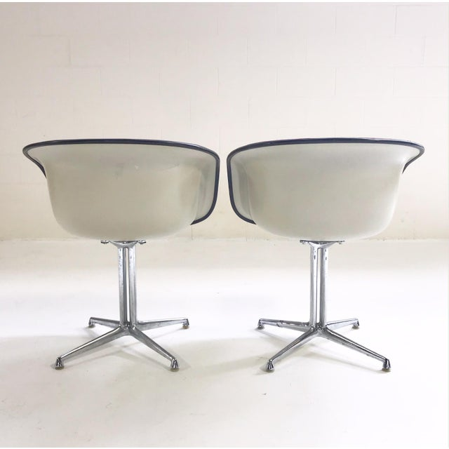 1960s 1961 Charles and Ray Eames for Herman Miller La Fonda Chairs With Sheepskins - Pair For Sale - Image 5 of 11