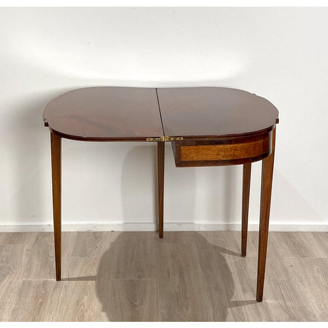 Brown 19th Century American Game Table For Sale - Image 8 of 10