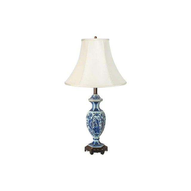 Vintage Delft Blue and White Table Lamp For Sale