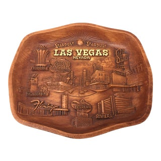 Vintage Mid Century Las Vegas Souvenir Casino Plate - Stardust, Sands, Sahara, Flamingo, Tropicana Golden Nugget For Sale