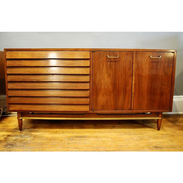 Gold Mid Century Modern American of Martinsville Walnut Credenza For Sale - Image 8 of 8