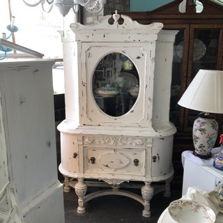 Antique Victorian China Cabinet Preview