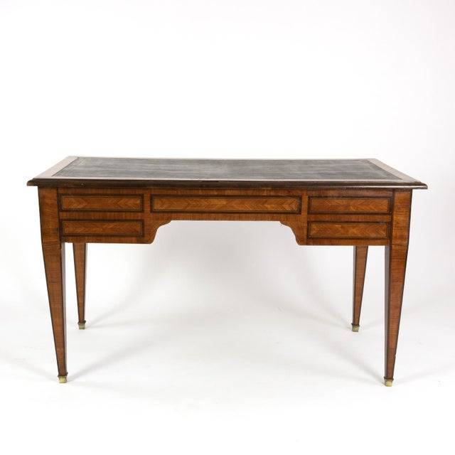 1870s French Tulipwood and Kingwood Bureau Plat With Embossed Black Leather Top For Sale - Image 4 of 13