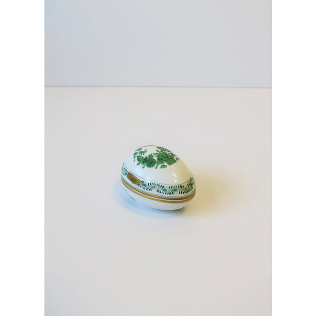 Mid 20th Century Herend White Green Gold Porcelain Egg-Shaped Jewelry Box For Sale - Image 5 of 13