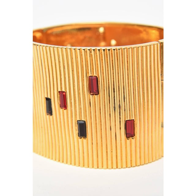 1980s Paloma Picasso Glass and Ribbed Gold Filled Cuff Bracelet For Sale - Image 5 of 9