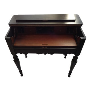 1920s Traditional Piano Style Mahogany Writing Desk For Sale