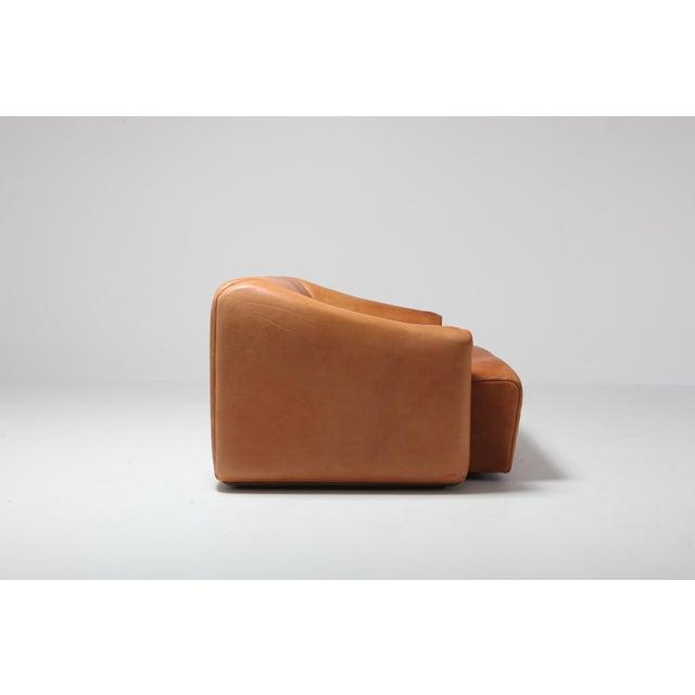 Mid-Century Modern De Sede Ds 47 Cognac Leather Sofa For Sale - Image 3 of 12