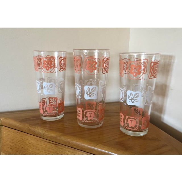 Boho Chic Mid-Century Vintage Pink and White Leaf Motif Glasses - Set of 3 For Sale - Image 3 of 7
