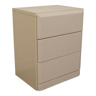 20th Century Contemporary Lane Furniture White Lacquered Three-Drawer Nightstand For Sale