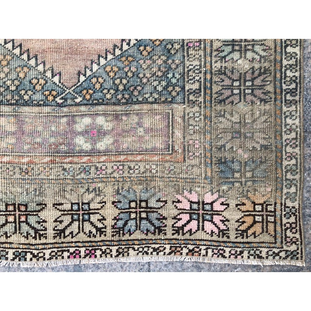 1960s Turkish Bohemian Antique Faded Floor Rug - 3′1″ × 5′1″ For Sale - Image 10 of 11