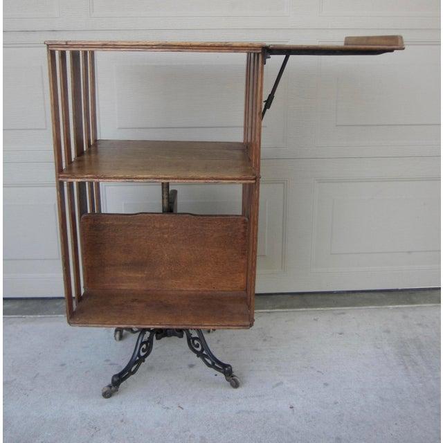 1900s Mid-Century Modern Revolving Swivel Rotating Oak Barrister For Sale - Image 4 of 12