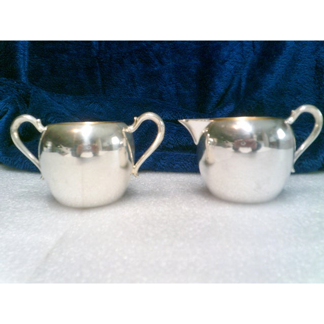 Traditional Vintage Wallace Silver Plate Cream & Sugar Set - A Pair For Sale - Image 3 of 3