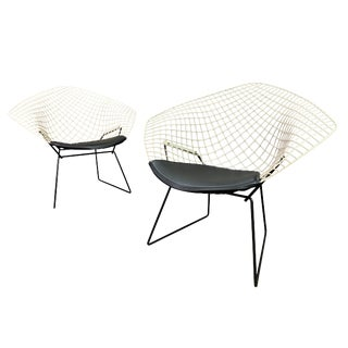 """Vintage Mid Century Modern Harry Bertoia for Knoll """"Diamond"""" Chairs- A Pair For Sale"""